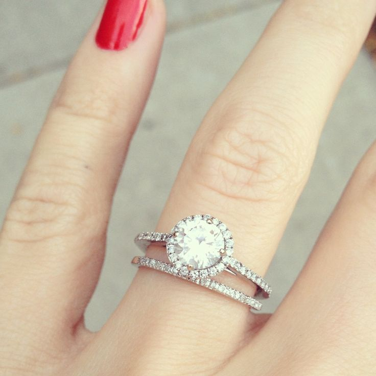 Round Diamond With Halo Ring Narrow Shank And Matching
