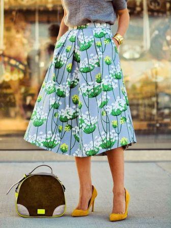 Printed skirt.