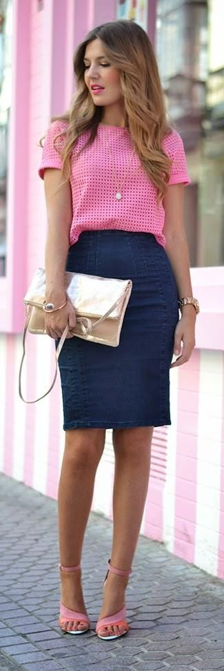Pink broderie anglaise top crop, denim pencil skirt, golden clutch, pink sandals. nice work outfit.