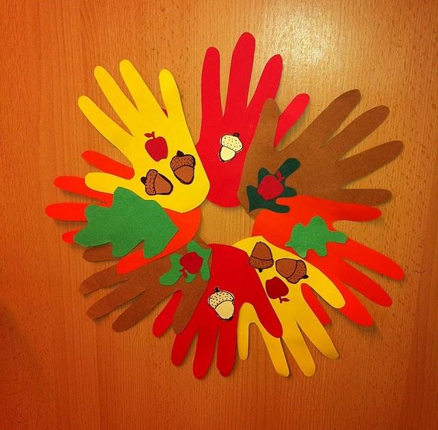 #fall #craft for kids – paper handprint wreaths