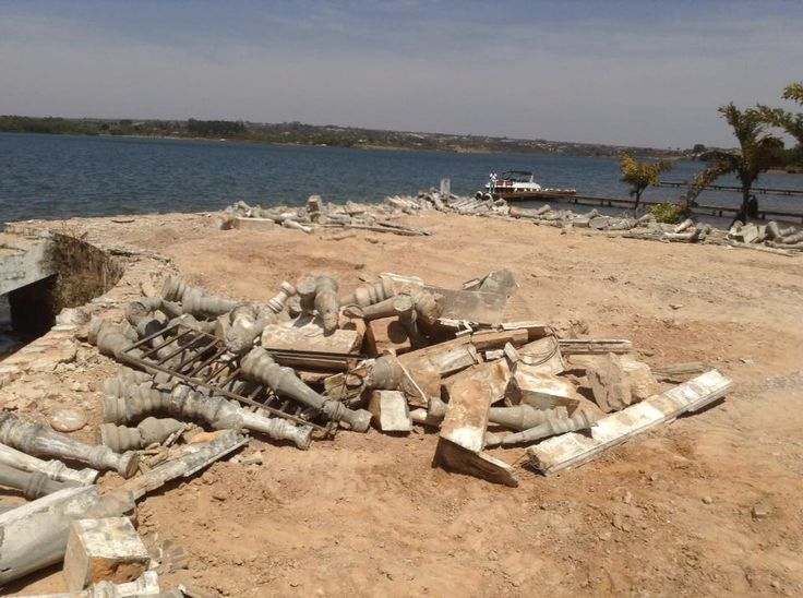 25/08/2015 - derrubada no Lago Paranoá
