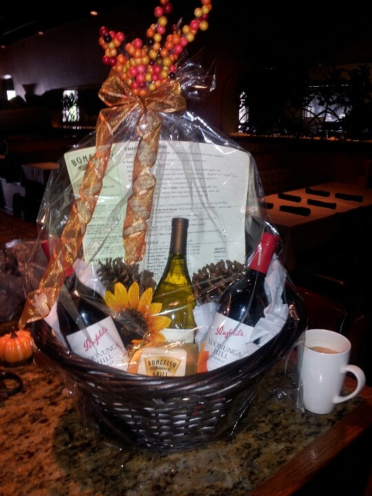 Fall wine basket Gift Ideas Pinterest Gifts, Baskets