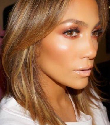 Risultati immagini per glow makeup j lo