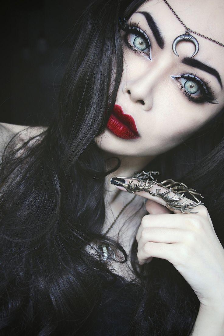 Witchy makeup for Halloween Make up Pinterest Makeup