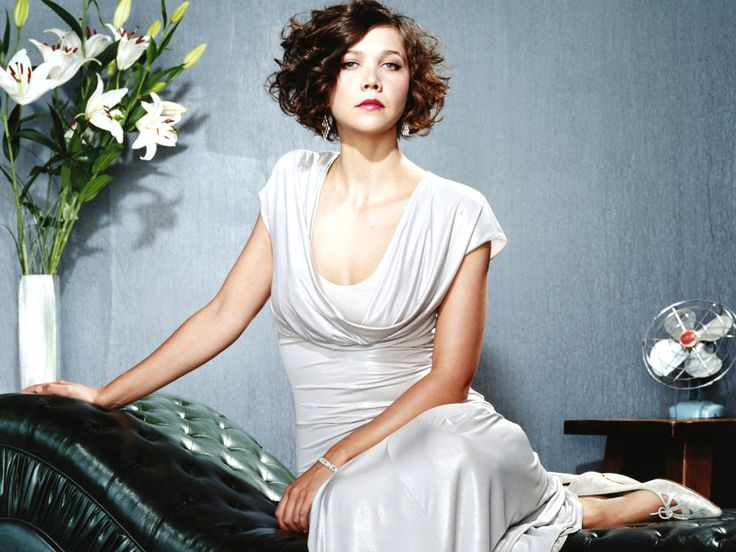 Maggie Gyllenhaals Curly Bob Hairstyle Next Haircut