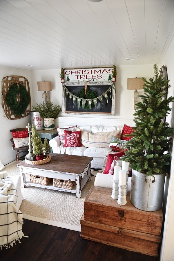 17 Best Ideas About Cottage Christmas Decorating On Pinterest Cottage Christmas Christmas