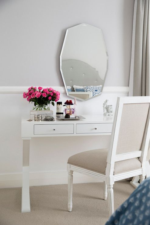 1000 Ideas About Two Tone Walls On Pinterest Two Tone Paint Chair Rail Molding And Beige Room