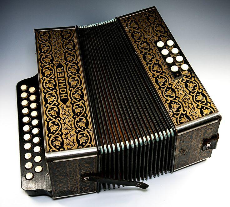 Excellent Vintage to Antique Hohner Accordion, Plays