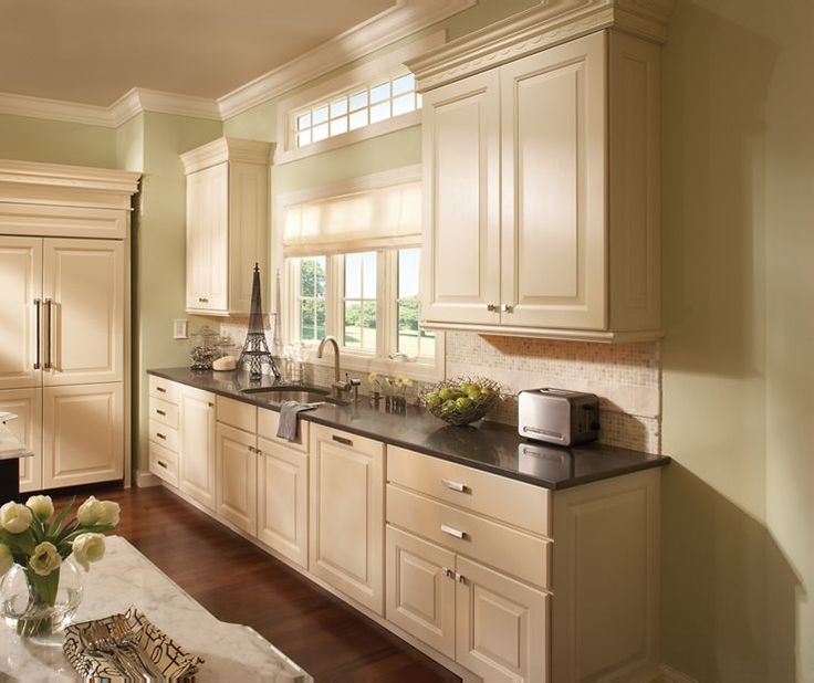 1000 Ideas About Schuler Cabinets On Pinterest Cabinet Door Styles Bath Cabinets And Lowes