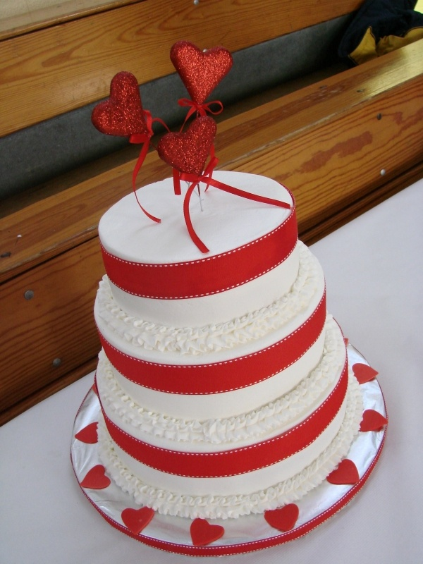 12 Best Images About Valentines Day Wedding Cakes On Pinterest Pink Hearts Cake Central And