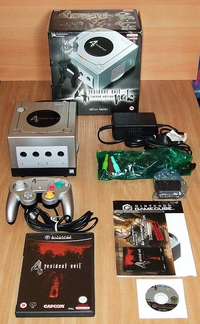Nintendo Gamecube Resident Evil 4 Limited Edition Pak Video Game Systems Information Video