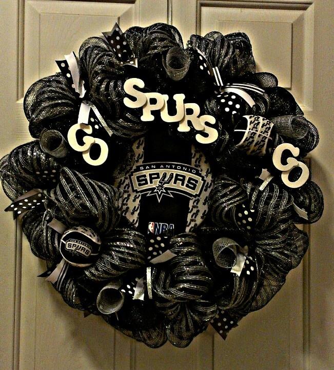 Spurs wreath w/painted wooden letters Wreaths Pinterest