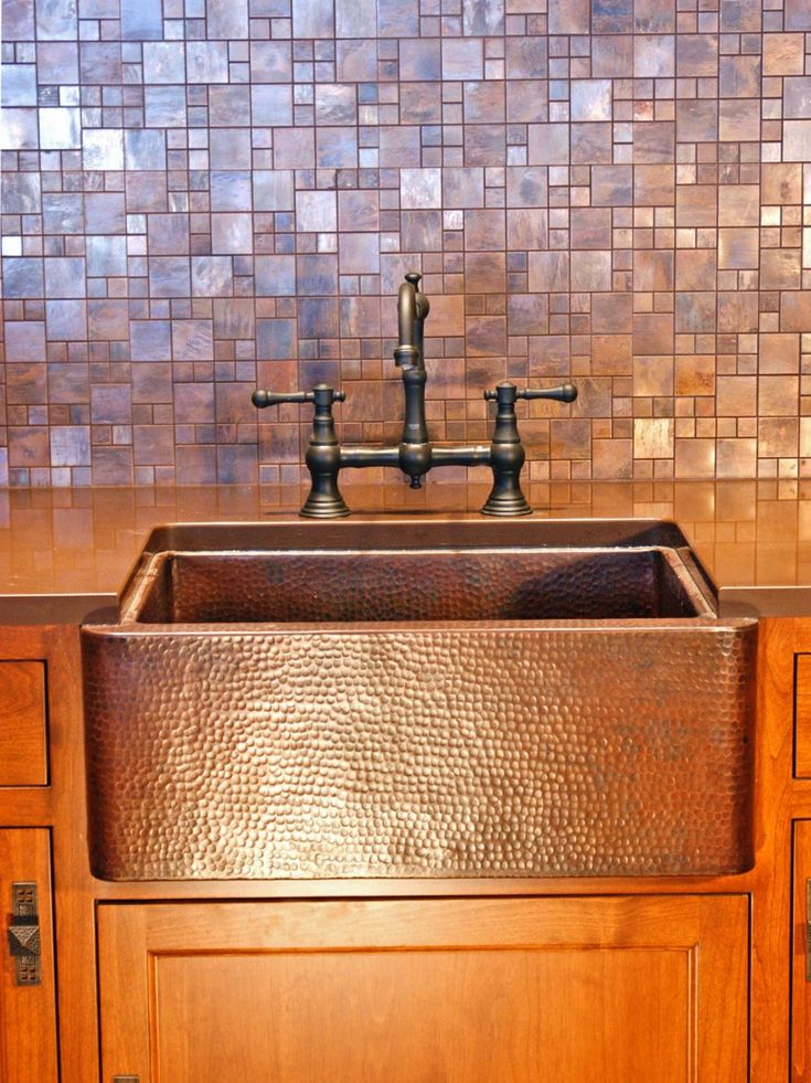 Decor & Tips Copper Farmhouse Sink And Bridge Faucet With