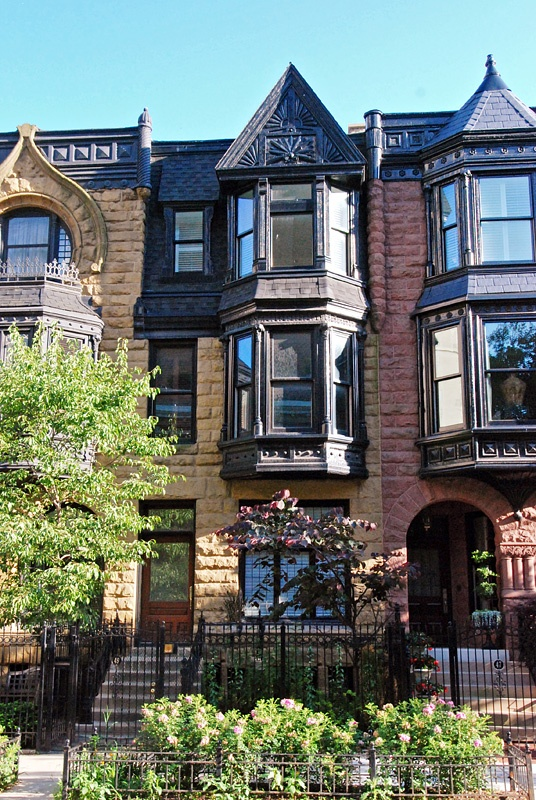 Townhomes on E. Division St. in Chicago I love chicago