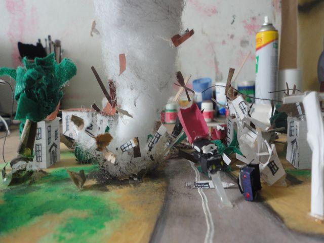 MAQUETA TORNADO TWISTER MODEL Ideas Aula Primaria
