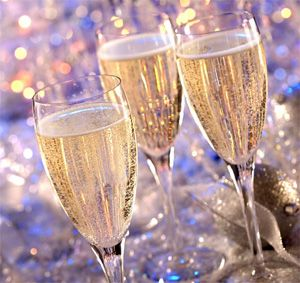 Pretty New Years Eve champagne glasses!