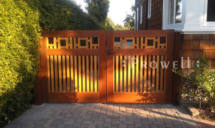 Arts And Crafts Fence Design He Driveway Gate 20 For This Property Is An Idential Match To