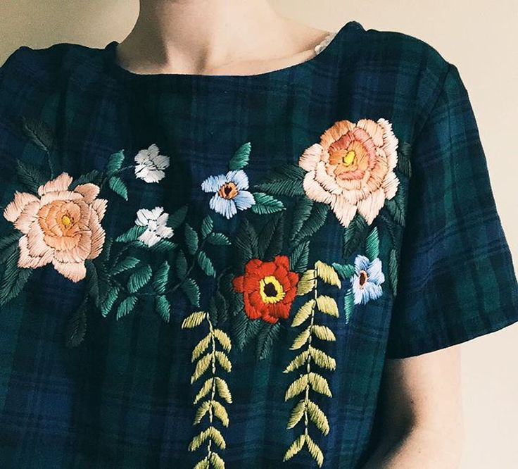 Magnificent embroidered blouse by @tessa_perlow