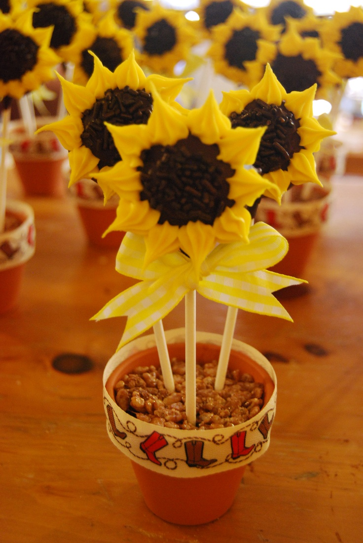 Sunflower cakes, Sunflowers and Cake pop on Pinterest