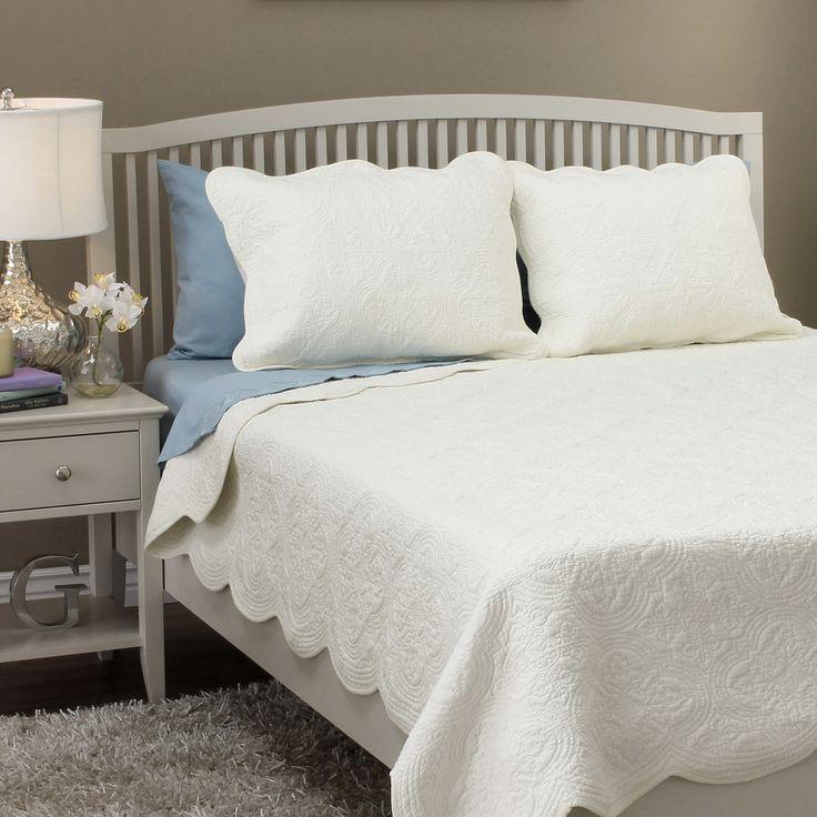 Blantyre Scalloped Edge Cotton 3 Piece Quilt Set Quilt Sets Quilt And Great Deals