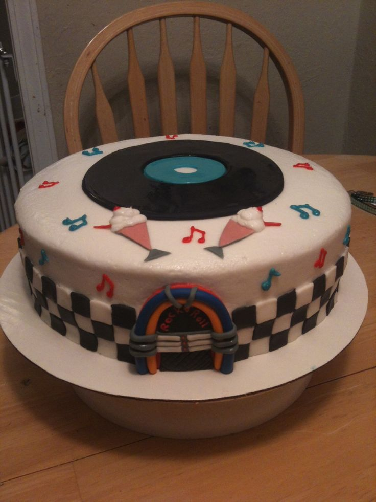 50s Rock And Roll Cake 50s Theme Cake Fondant Jukebox