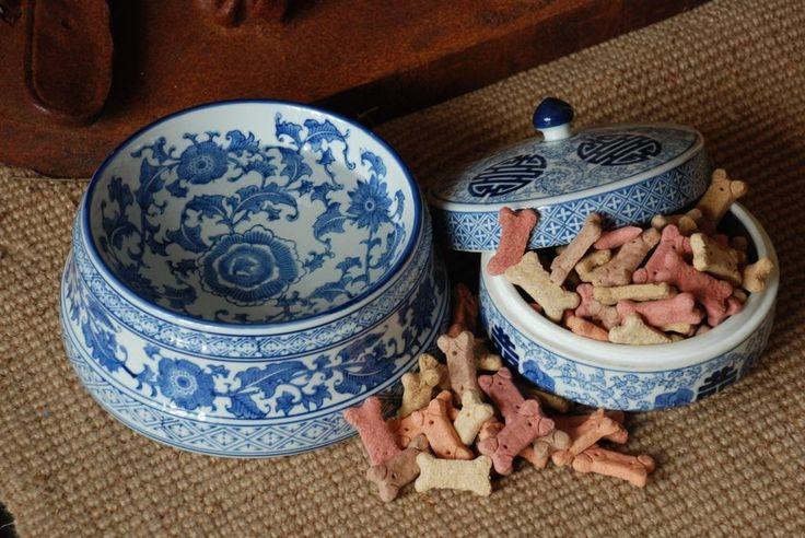 Detail Blue And White Ceramic Dog Bowls Interior