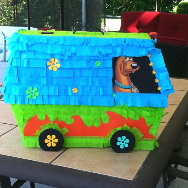 "Scooby doo piñata ""The Mystery Machine"" Craft Ideas"