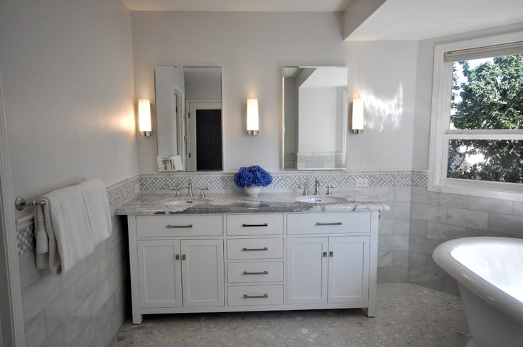 1000+ Ideas About White Tile Bathrooms On Pinterest