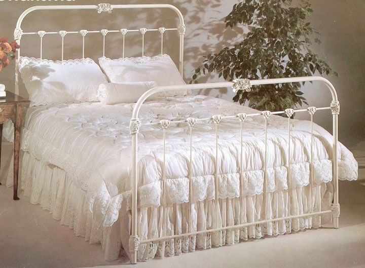 54 Best Images About Iron Beds On Pinterest