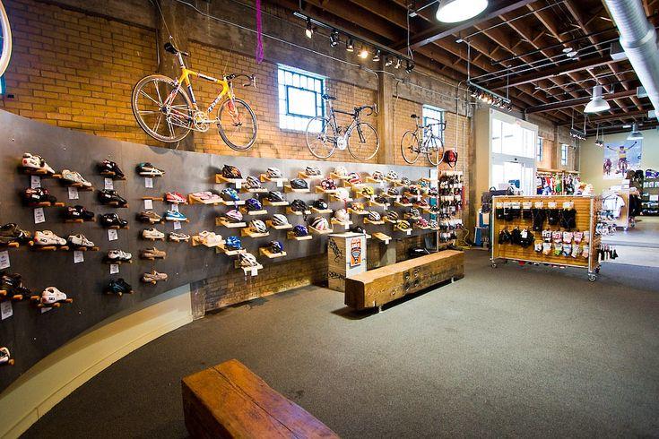 brick walls and curved retail wall Bicikli boltok / Bike