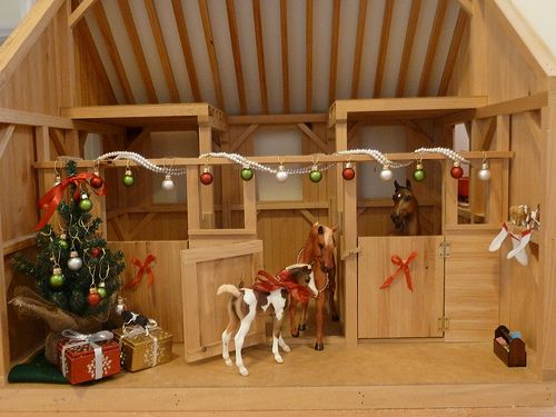 Model Horse Barn Decorated For Christmas Model Horse