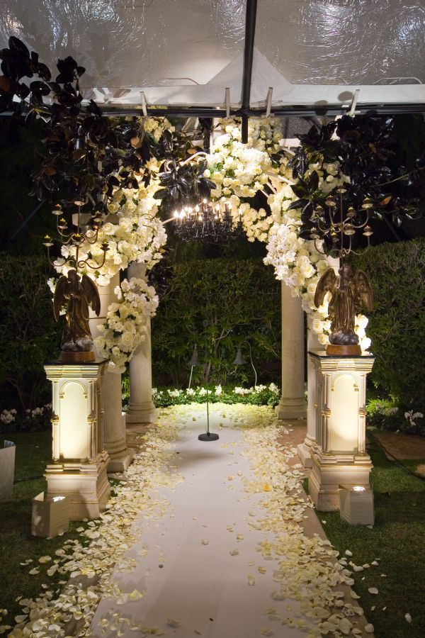 A dramatic, gothic wedding at @Beverly Hills Hotel by Mindy Weiss.
