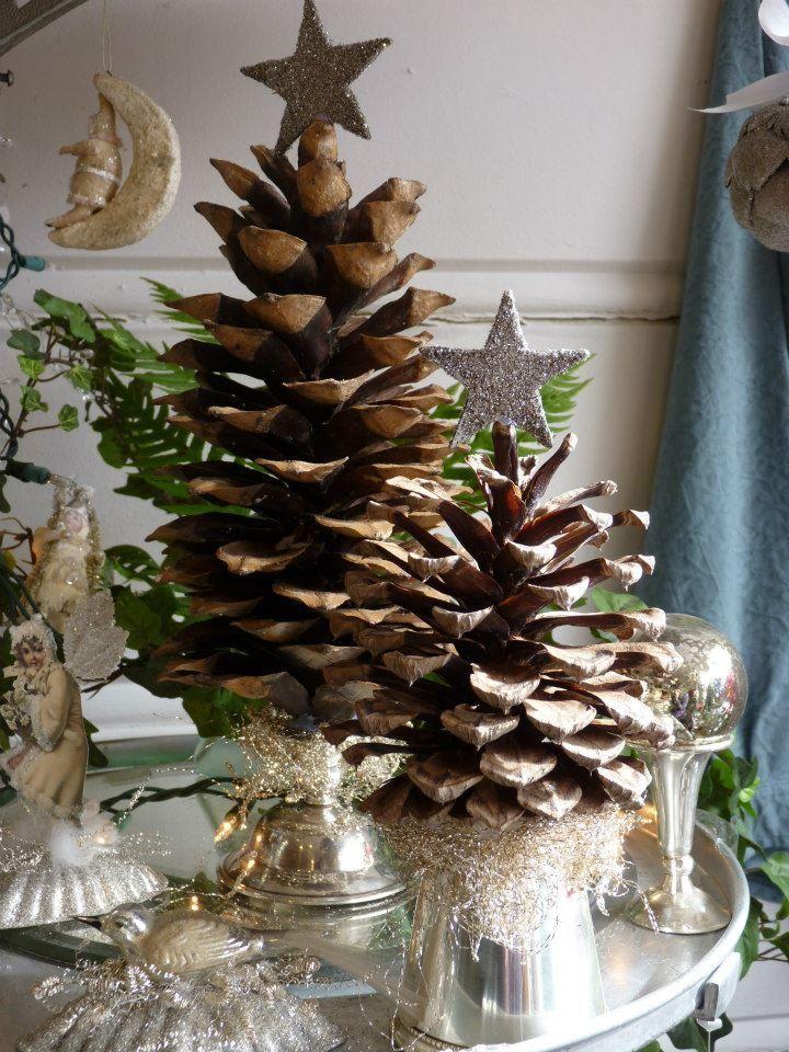 Pinecone Christmas trees. DIY Christmas 3 Pinterest