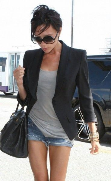 Love this look because it works for all seasons……wear a blazer with a tank t