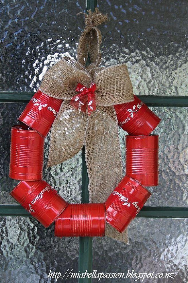 DIY tin can wreath for Christmas Gardens, Coca cola can