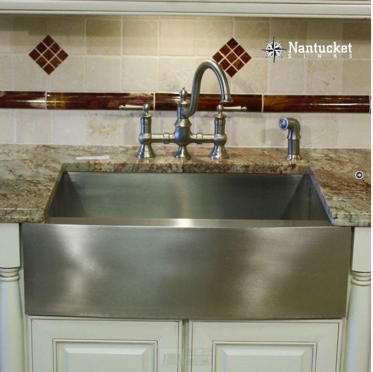 25 Best Images About Farm Sink Kitchen On Pinterest Farm Kitchen Interior Farmhouse Kitchen