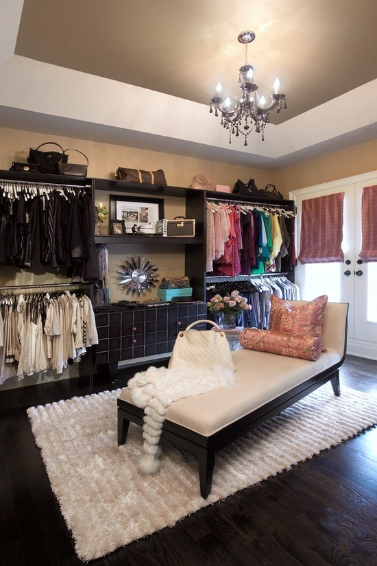 1000 Ideas About Small Bedroom Closets On Pinterest