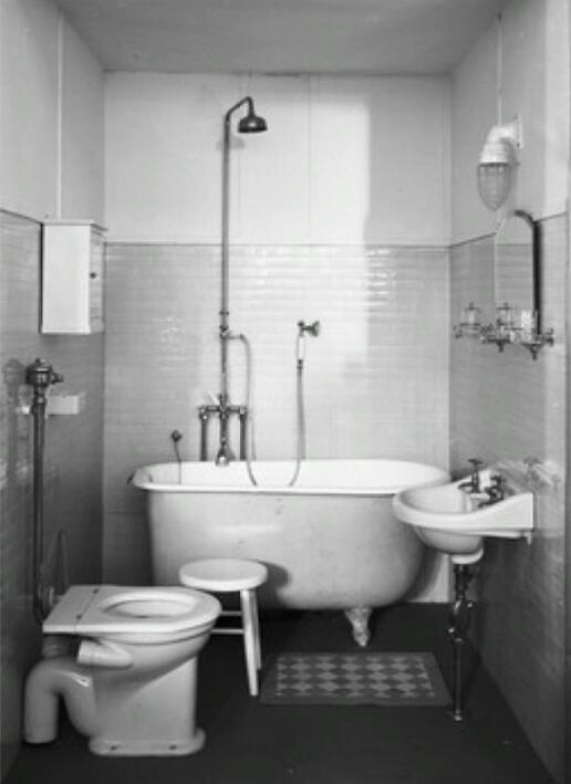 Old 1930s 1940s Bathroom Bathroom Pinterest Old
