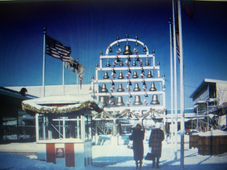 The Chiming Bells at Christmas The Garden State Plaza