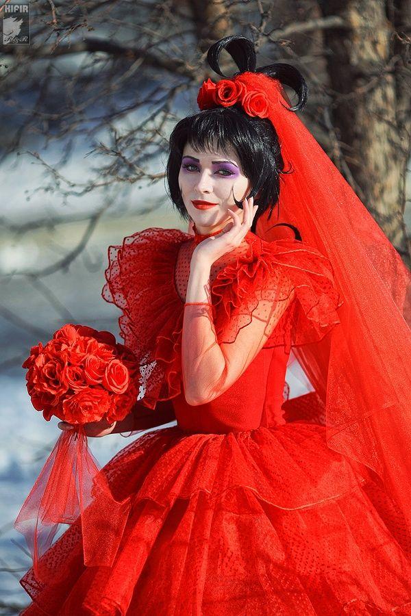 Lydia's red wedding dress! 8 Beetlejuice Cosplays