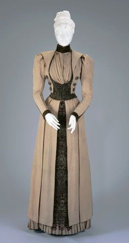 I love this. I really wish the source link worked so that I could find out more about it and what collection it is in.   WALKING SUIT: BODICE AND SKIRT  Circa 1890: