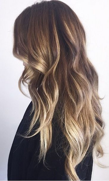 Obsessed with this bronde hair color – via balayage highlights