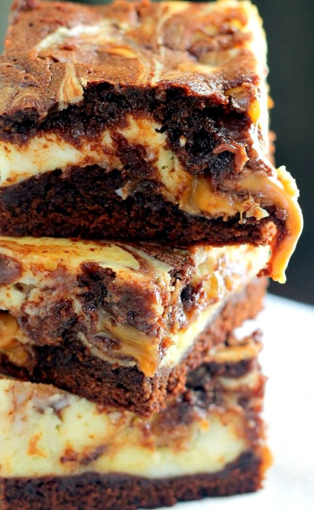 Milky Way Caramel Cheesecake Brownies Recipe ~ Delicious… These are seriously one of the best desserts