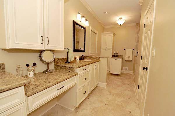 Pix For Gt Quartz Countertops White Cabinets Kitchen