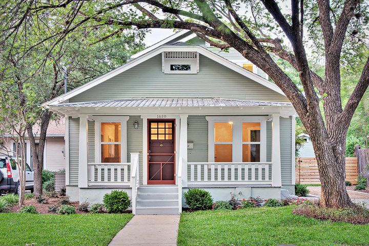 Clarksville Cottage Traditional-exterior