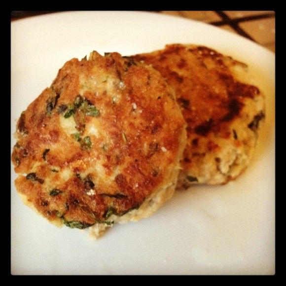 Quick Salmon Patties Quantity for a single serve   100gram tin Wild Alaksan Salmon 1 egg 1 tablespoon chopped fresh herbs, dill and