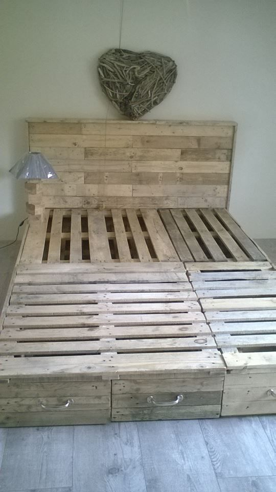 Best 25 Pallet Beds Ideas Only On Pinterest Palette Bed