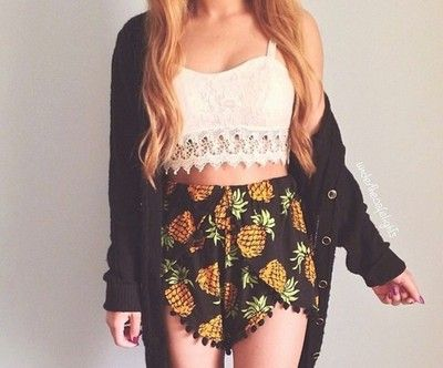 Pineapple Print Black Pom P