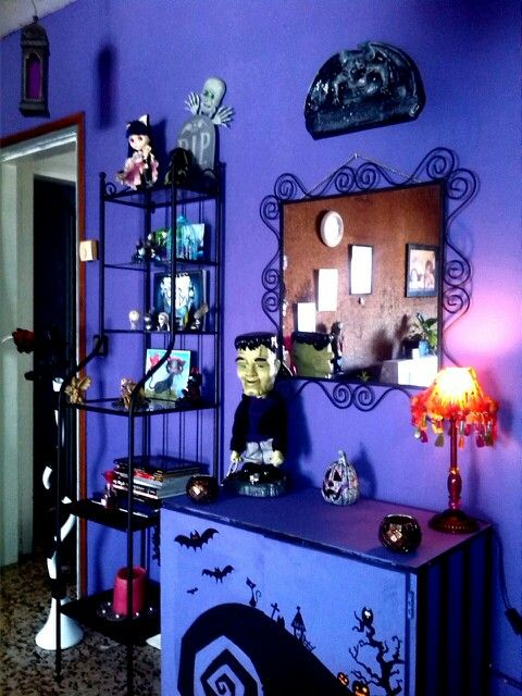 Tim Burton Decor I Would Do The Walls A Diffe Color But Like Painting