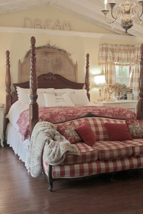 Love The Red Plaid Antique Settee Just Love This Room French Country Pinterest Country